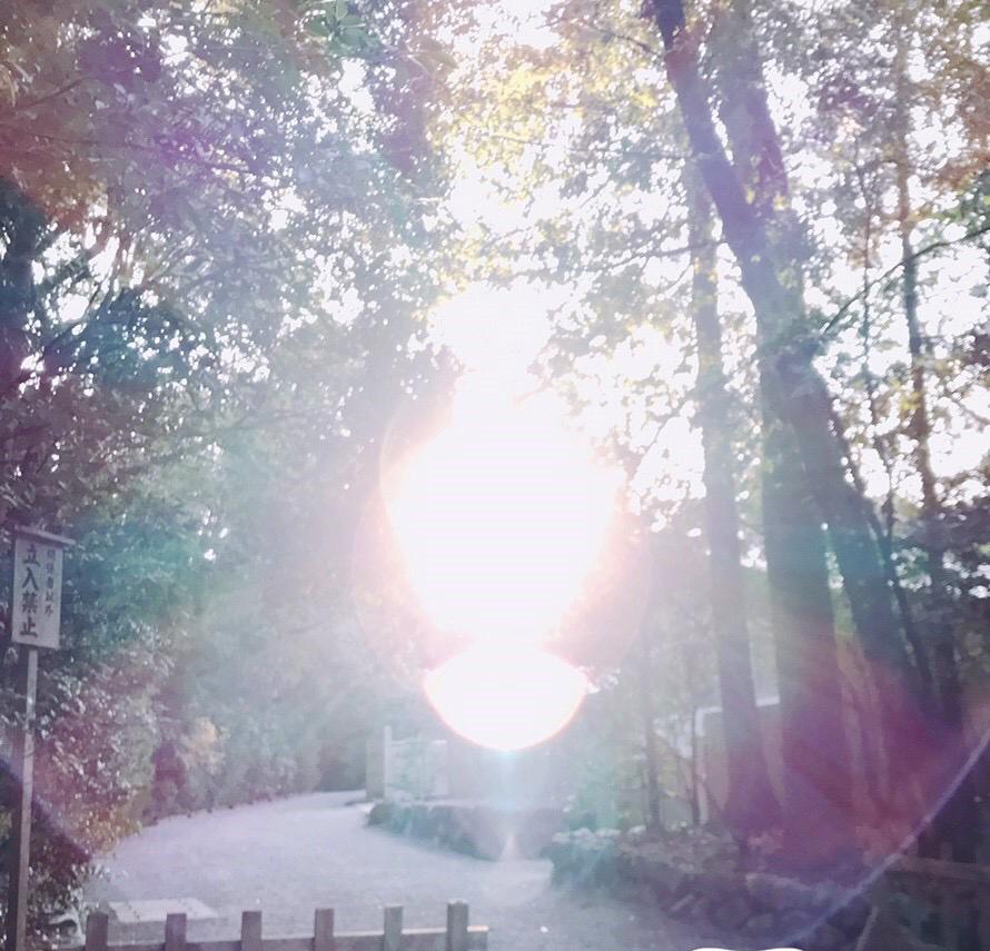 伊勢神宮で現れた光