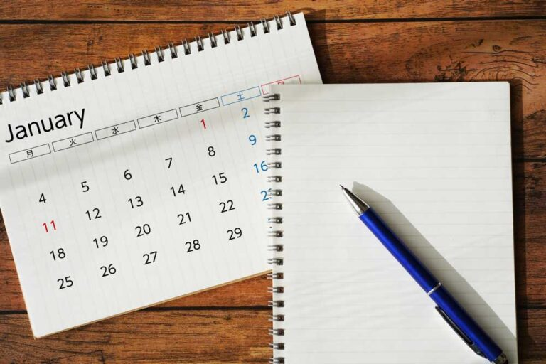 カレンダーとノート